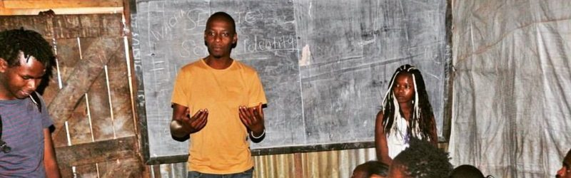 Titus Kuria teaching in Mathare, Kenya